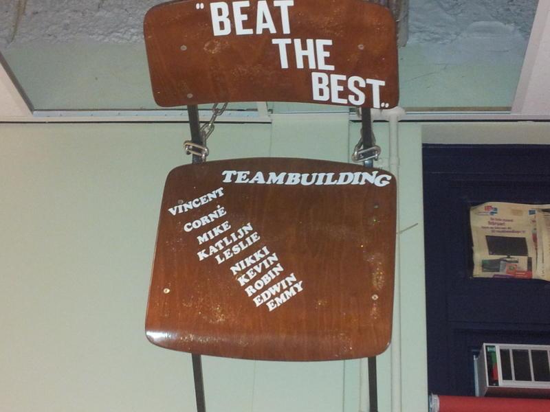 6 onderdelen Wie speelt er het slimst en verdient een plek op de stoel!