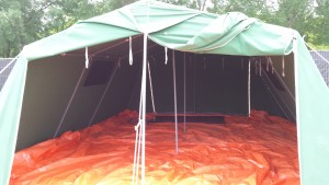 bedden verhuur. 8 personen per tent, stapelbed.